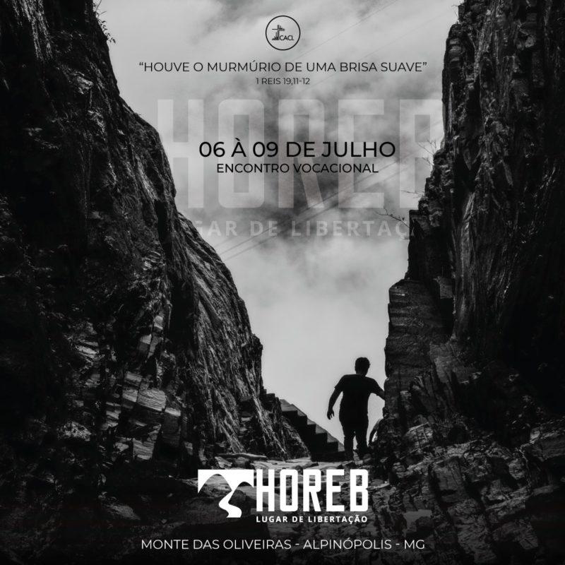 """As informações do retiro sobre uma foto de um homem andando em meio às montanhas, com as inscrições """"Horeb - Lugar de Libertação"""""""